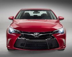 Рестайлинговая Toyota Camry 2015 для США