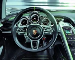 Шикарные и дорогие салоны автомобилей (16 фото)