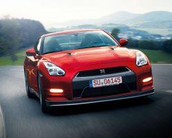 В Японии представлен Nissan GT-R 2015 (цена, фото)