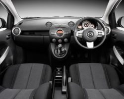 Праворульные автомобили не будут запрещать в 2012 году