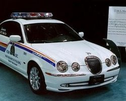 Полицейские автомобили (фото и видео)
