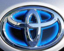 В России отзывают Toyota Corolla, Camry, RAV4, Yaris и Auris из-за стеклоподъемника