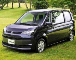 Toyota Spade 2013: цена, фото, характеристики